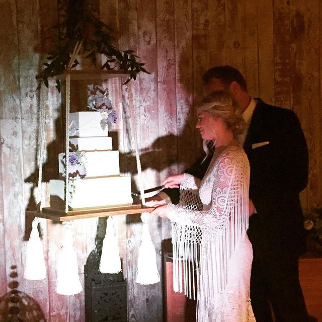 Huge shoutout to @carlareich of @honeycrumbcakes and #pjhummel for humoring me and making my vision of a hanging cake happen! This was fantastic!  #seattleweddingplanner #eventdesign #bohowedding #bohochic #cake #cakeart #hangingcake #wowfactor #weddingcake #seattlebride #ido