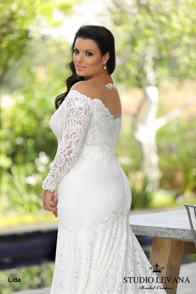 Plus_size_wedding_gowns_2018_Chloe_(3).JPG