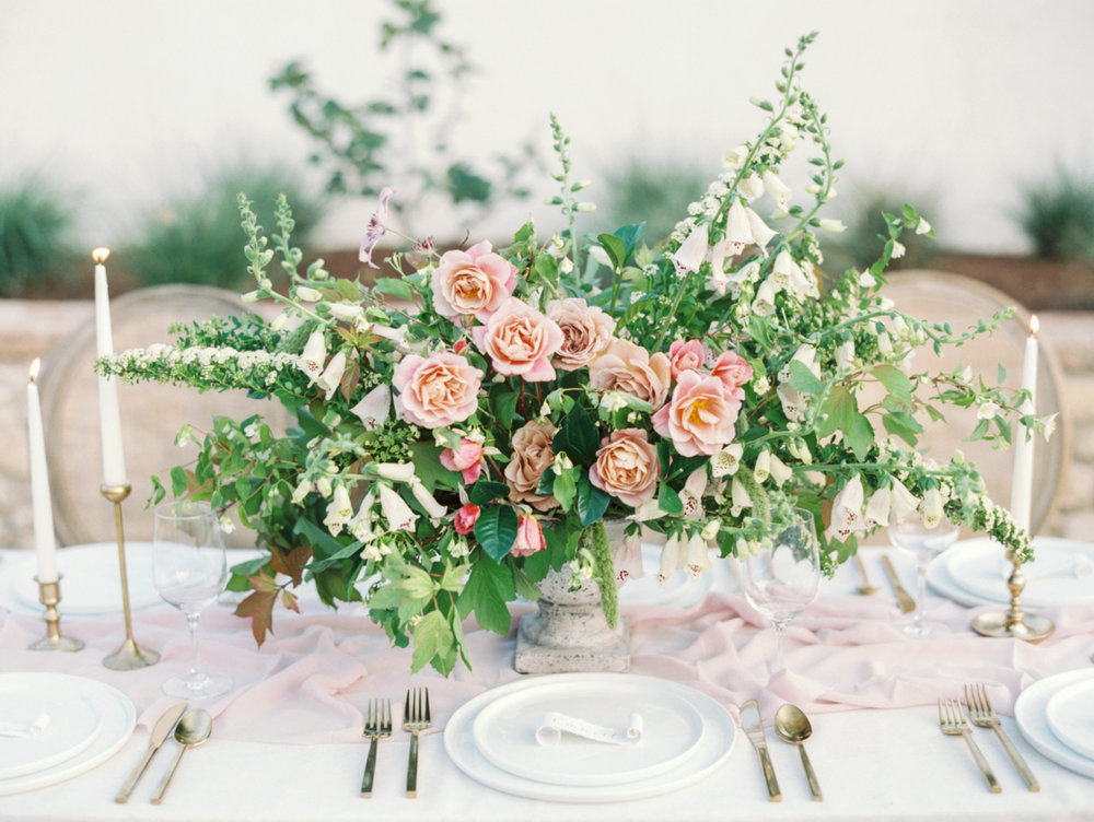 Pink-Garden-Rose-and-Greenery-Centerpiece-600x451@2x.jpg