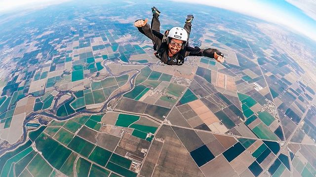 Successfully completed my AFF (Accelerated Freefall) Certification! After years of wanting to skydive I finally took the plunge and completed my first set of solo jumps! And this is only the beginning... #skydiving #uspa #freefall #fallingtowardsearth #whenwingsuit