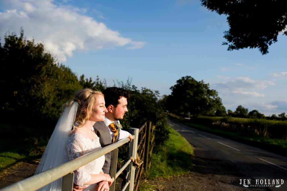 yelvertoft-village-hall-wedding-golden-hour