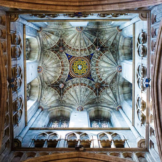 This photo has been a popular one lately - and I've sold quite a few framed ones. It's Bell Harry Tower, of Canterbury Cathedral. The shield in the middle in actually a trap door would you believe? 236ft high! • • How did I get the shot? // I was up in the organ loft (closed to public access) as a second shooter at a wedding and I couldn't miss this one off opportunity to get a closer crop of the vaulted ceiling. It's so rare to be able to see it that close!  #canterbury #canterburycathedral #kent #visitcanterbury #visitkent #igerskent #bellharrytower #upshot #vaultedceiling #cathedralceiling #howigottheshot #seizethemoment