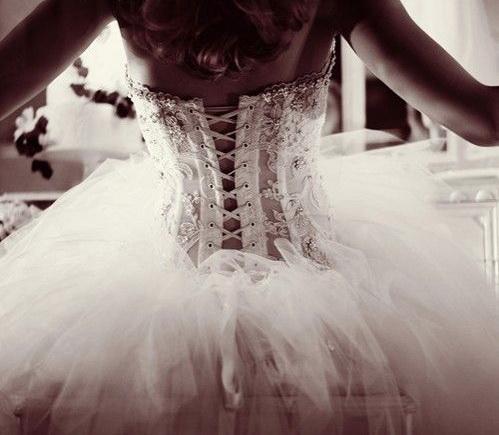 Snow-White-Winter-Wedding-Gown.jpg