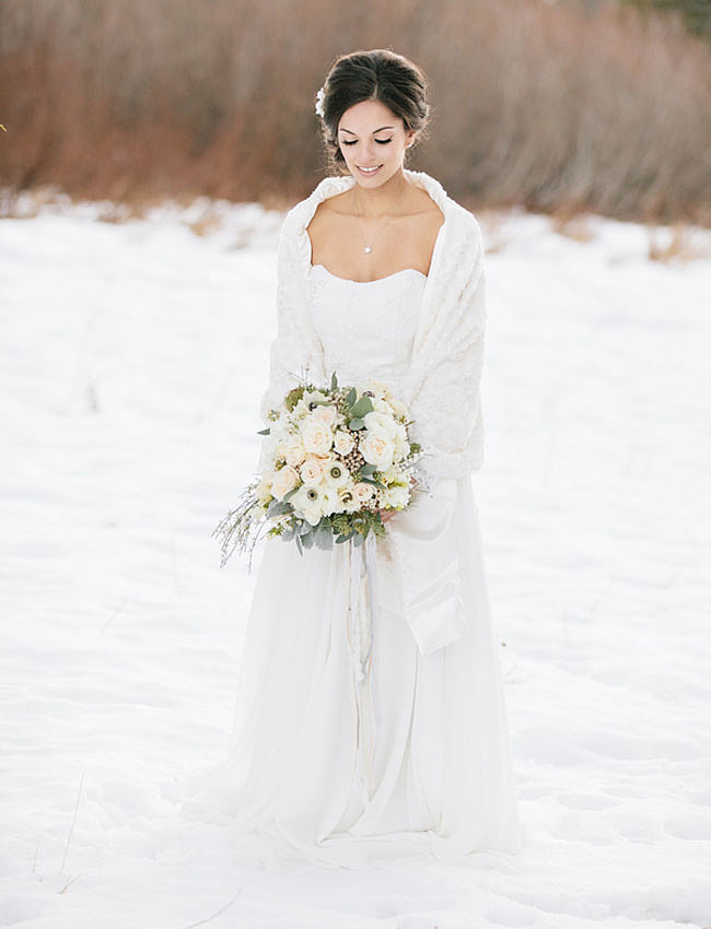 wintter-wedding-gown-elegance.jpg