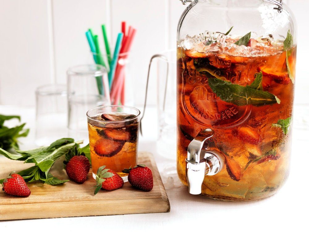 strawberry-pimms-punch-109625-1.jpeg