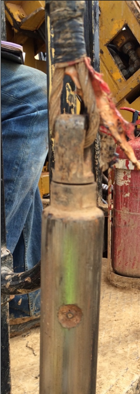 Grease nipple to ensure adequate lubrication of the bearing inside the cable swivel assembly. Note that the grease nipple is broken and has clearly not been lubricated for a very long time
