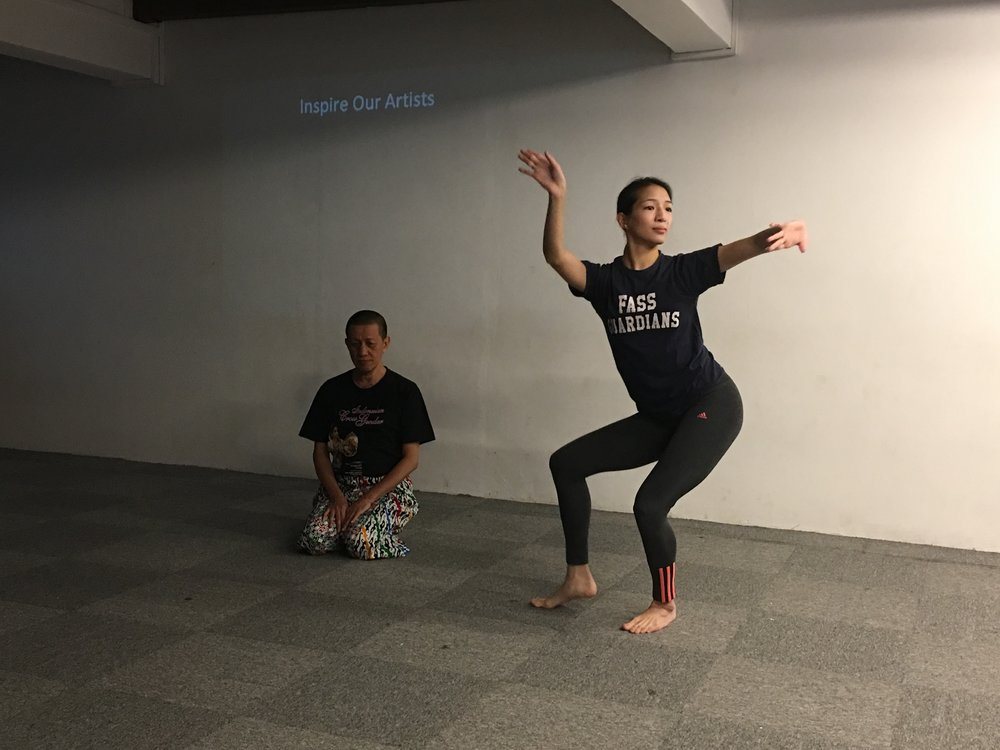 Chinese dance practitioner Elizabeth Chan (standing) with one of the pioneers of classical cross-gender Javanese dance, Didik Nini Thowok.