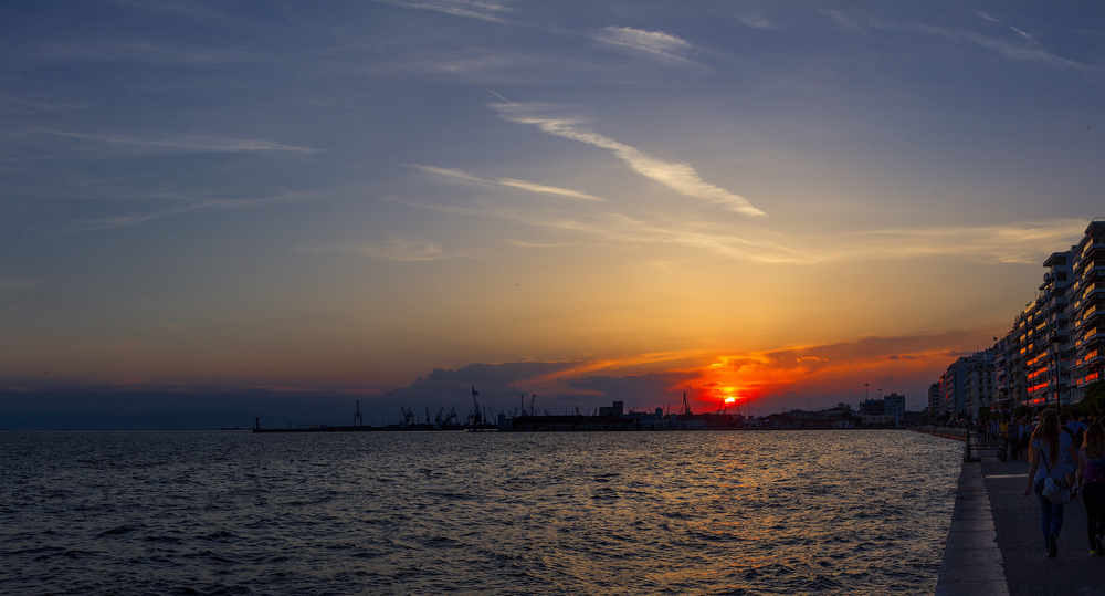 landscape___23_____thessaloniki_seaside__greece__by_the_french_monkey-d8vrcs3.jpg