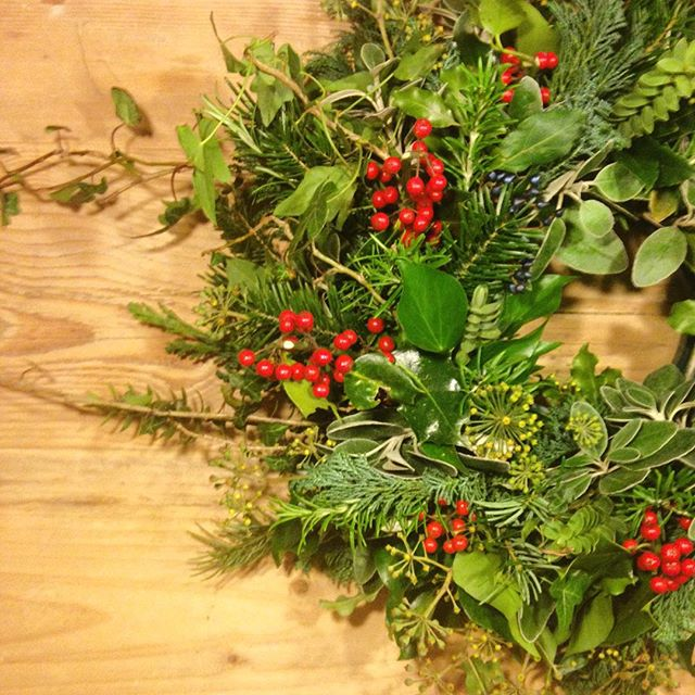 Foraged wreath filled with all natures gifts from the garden. #holly #wreath #christmas #christmaswreath #naturalwreath