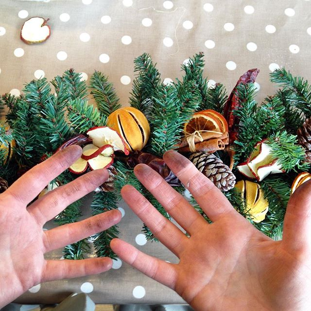 Floristry is so glamorous!! #dirtyfingers #floristhands #christmasgarland