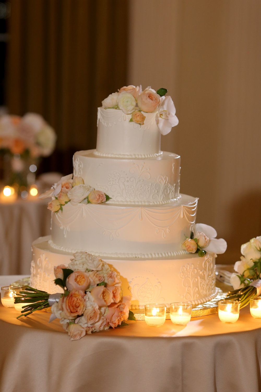 Sara Kovel Events Omni Parker House Wedding Cake