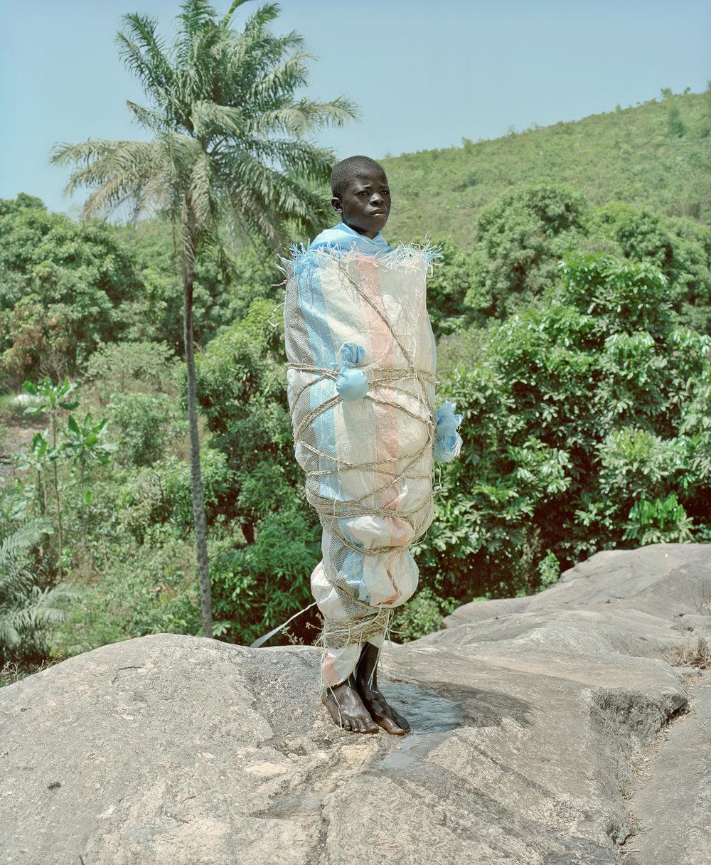 POPCAP_2012_Winner_1280px_RGB_1207_StatuetteNganga_SaleLaye_Guinee 2011_Namsa_Leuba.jpg