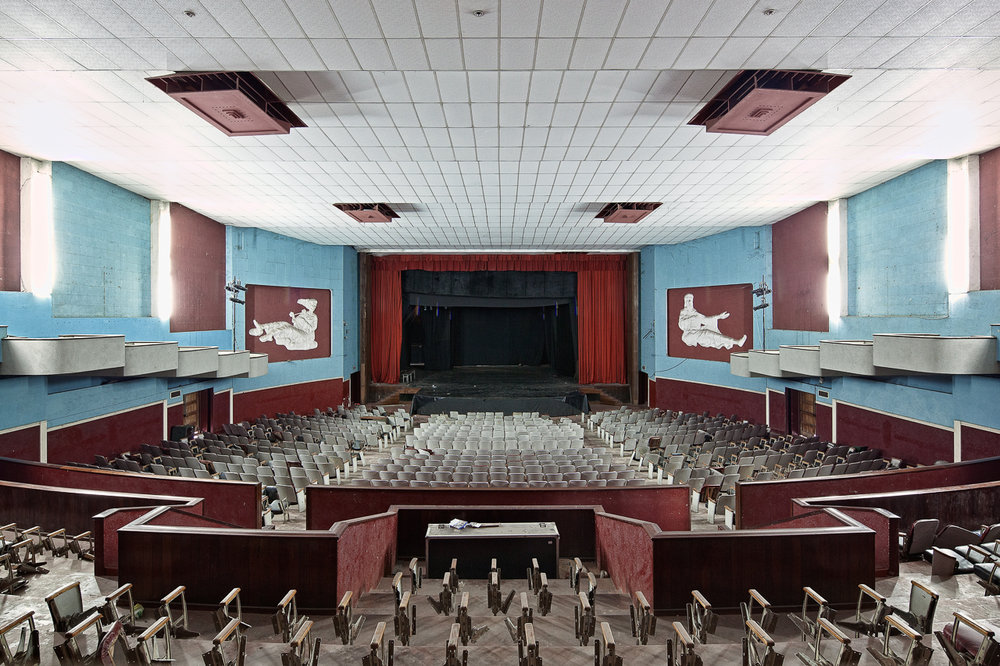 POPCAP_2015_Winner_1280px_RGB_02Cine teatro África, plateia (Cine theater Africa, audience), 2011.jpg