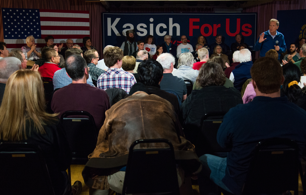 Republican presidential candidate John Kasich addresses voters during a campaign stop in Salem, New Hampshire, on Jan. 31, 2016.