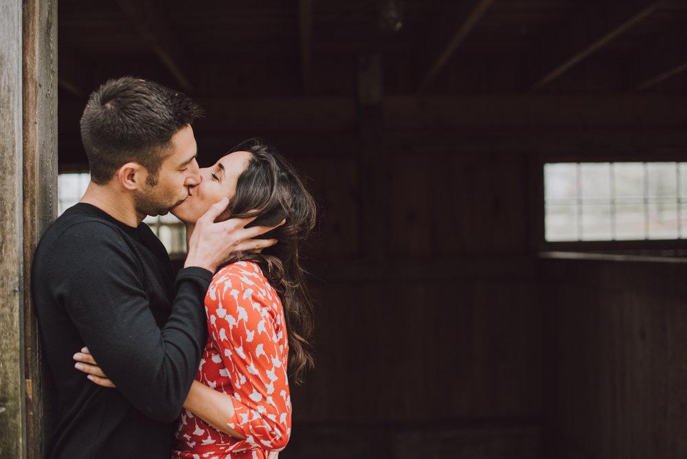 ben-samantha-proposal-kiss-at-the-barn-4833.jpg