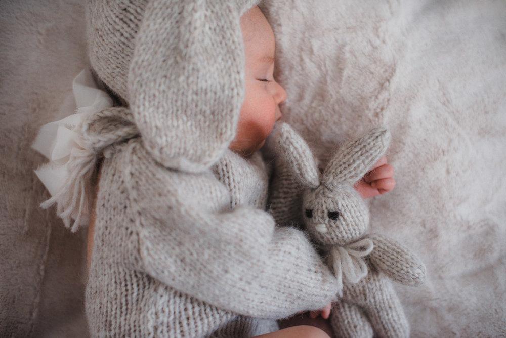 baby-girl-newborn-lifestyle-photography27.jpg