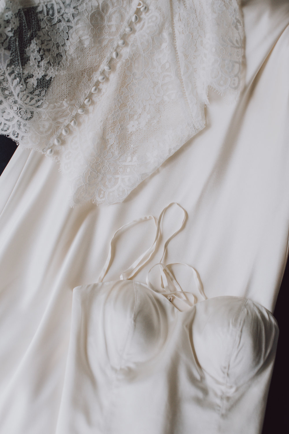 len_lynne_wedding_dress_edgartown-3681.jpg