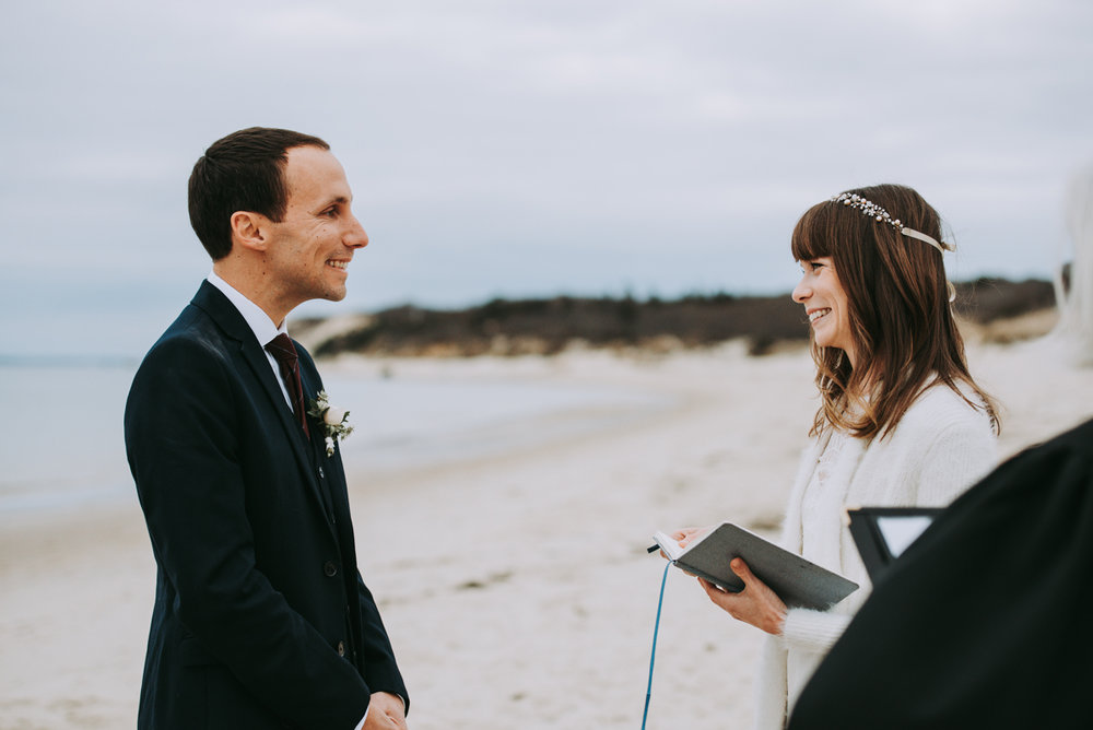 len_lynne_wedding_ceremony_lamberts_cove_beach_west_tisbury-2302.jpg