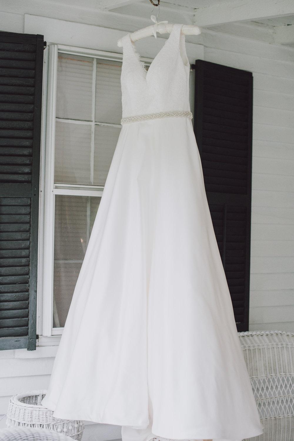 maureen_evan_wedding_dress_marthas_vineyard-8112.jpg