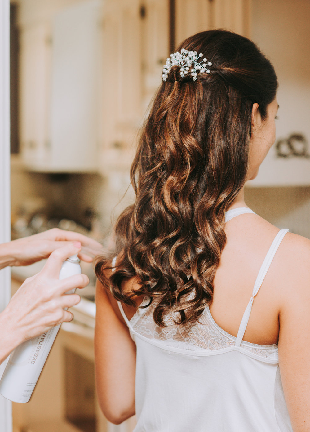 maureen_evan_wedding_marthas_vineyard_getting_ready-2893.jpg