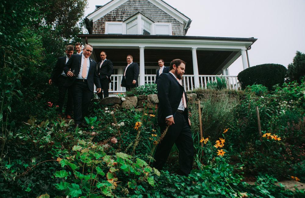 maureen_evan_wedding_marthas_vineyard_getting_ready-5146.jpg