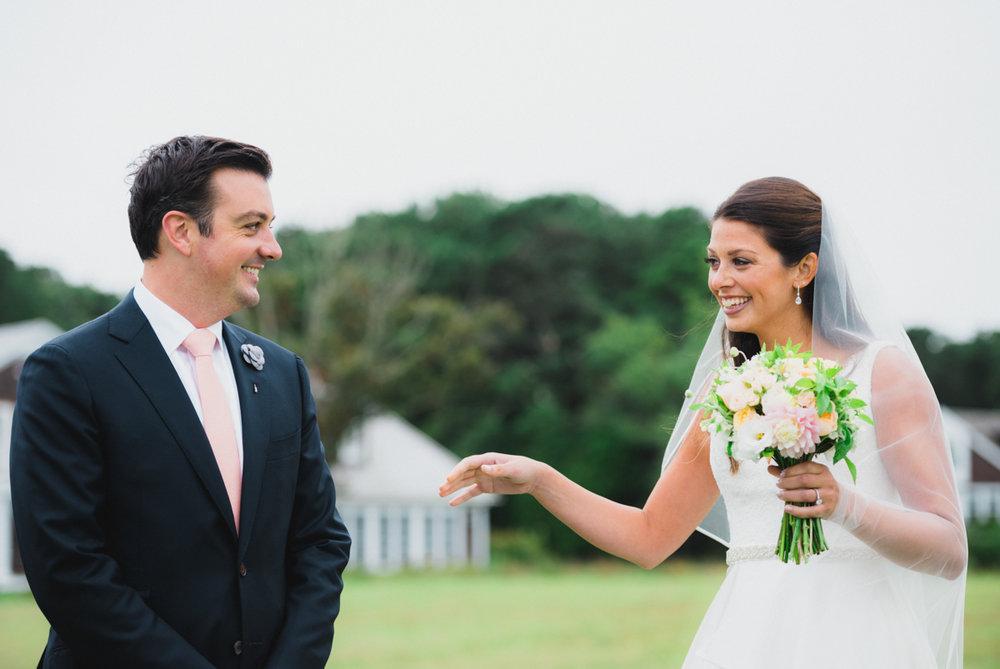 maureen_evan_wedding_marthas_vineyard-8527_first_look_farm_neck.jpg