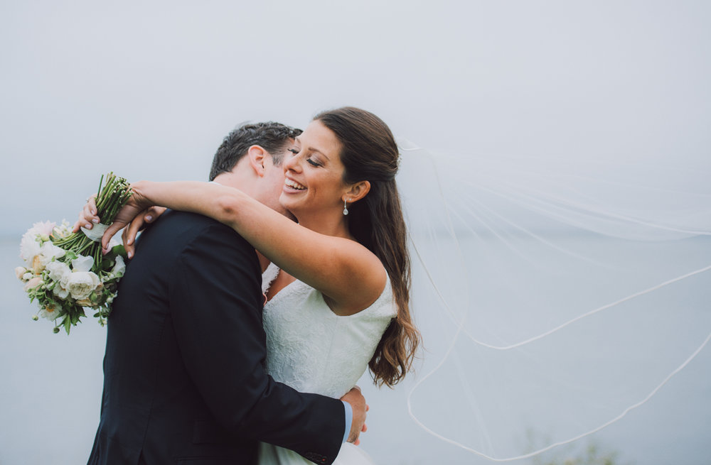 maureen_evan_wedding_marthas_vineyard-8633_first_look_farm_neck.jpg