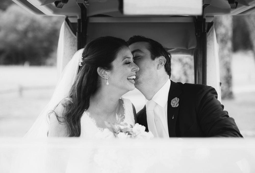 maureen_evan_wedding_marthas_vineyard-8698_first_look_farm_neck.jpg