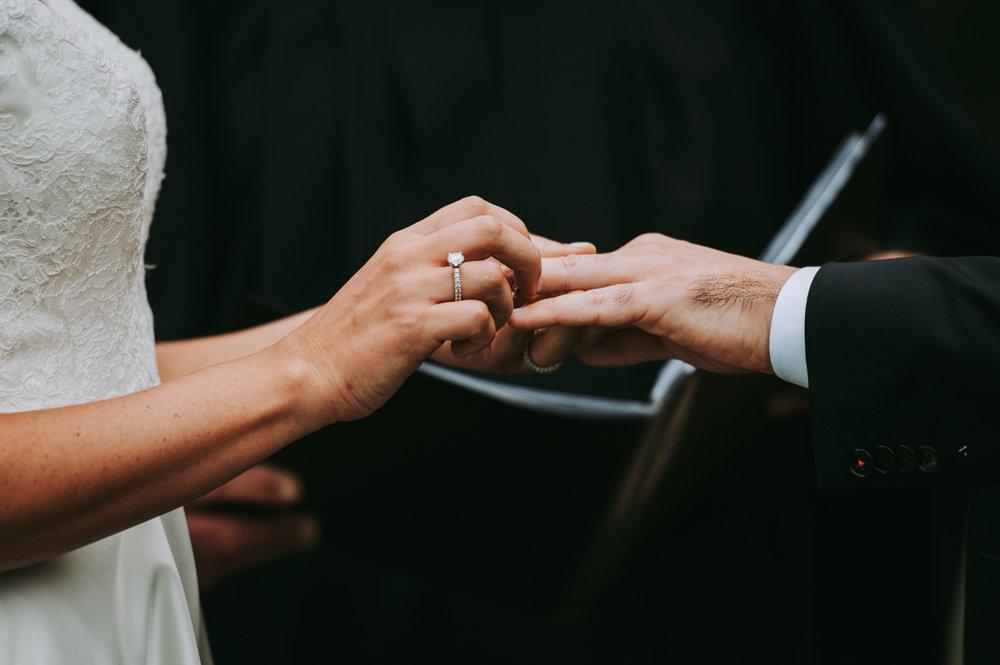 maureen_evan_wedding_marthas_vineyard-9807ceremony_farm_neck_golf_club_ceremony_farm_neck_golf_club.jpg