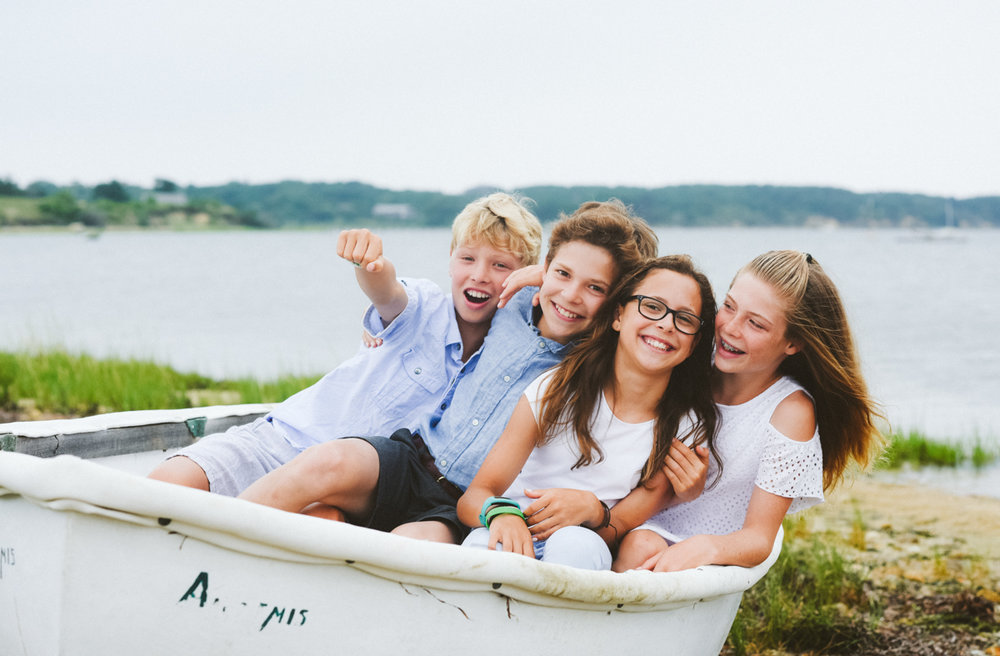 lifestyle_family_portrait_fun_chappaquiddick.jpg