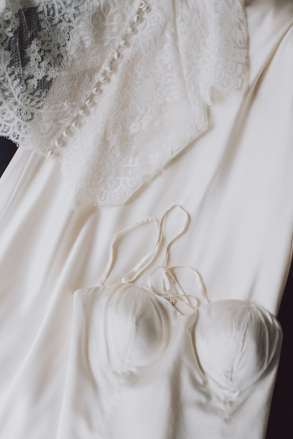 len_lynne_wedding_dress_edgartown-3681.jpg