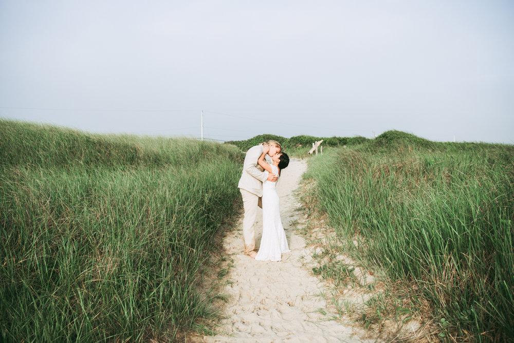 wedding_ceremony_aquinnah_beach-21.jpg