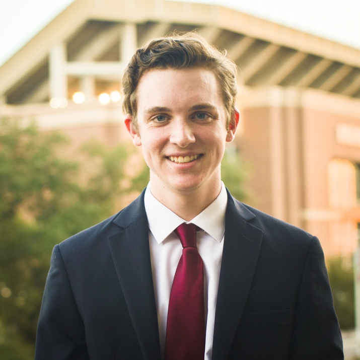"""Kyle Holden '19 Hometown:Friendswood, TX Major:Chemical Engineering Involvement: AlChE Favorite Quote:""""Life's a gas"""""""