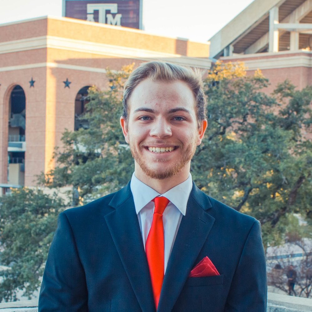 "Eric Alvarez '22    Hometown:  Pearland, TX   Major:  Chemical Engineering   Involvement:  Engineers Serving the Community AIChE ChemE Car Team Engineering Honors   Favorite Quote:  ""A successful man is one who can lay a firm foundation with the bricks others have thrown at him."" - David Brinkley"