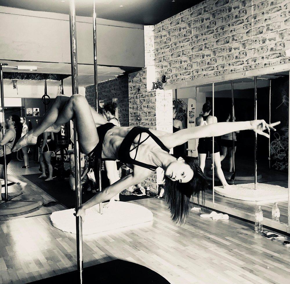 Karen achieving a 'flatline' pole move
