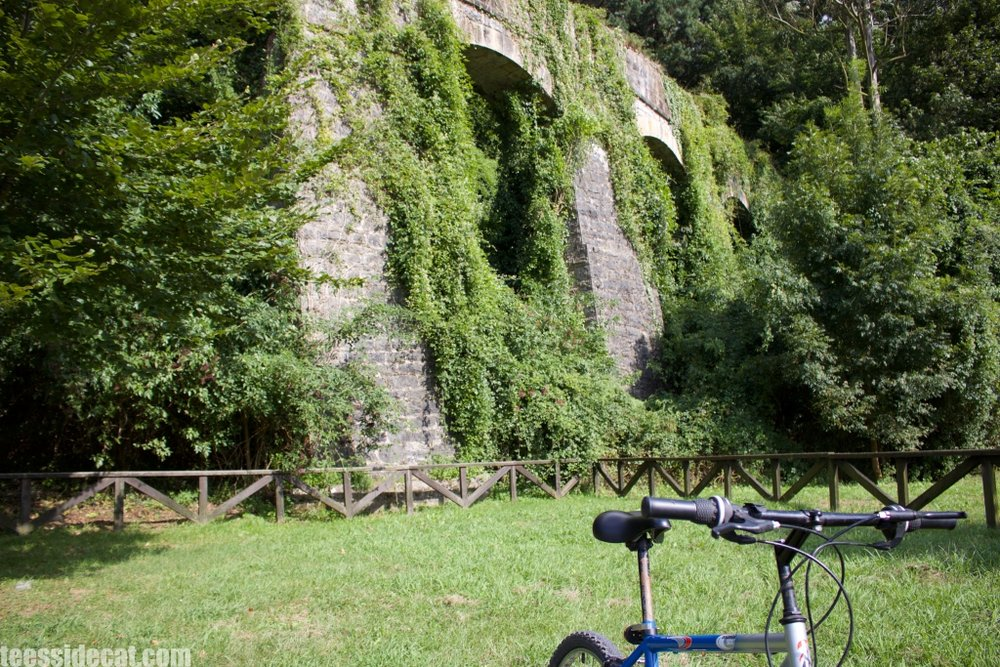 Stopping at 'Los Arcos' on my way to Borleña - the Pérez bicycle helped me explore the region