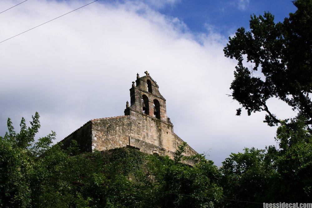 A church on a hilltop along the Vía Verde