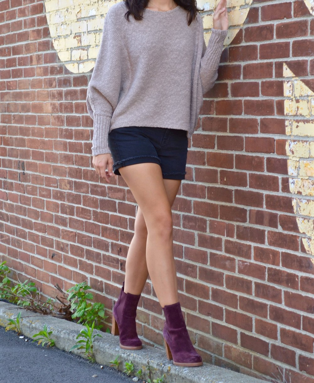 Sweater     Shorts     Boots  ( Option 2 )