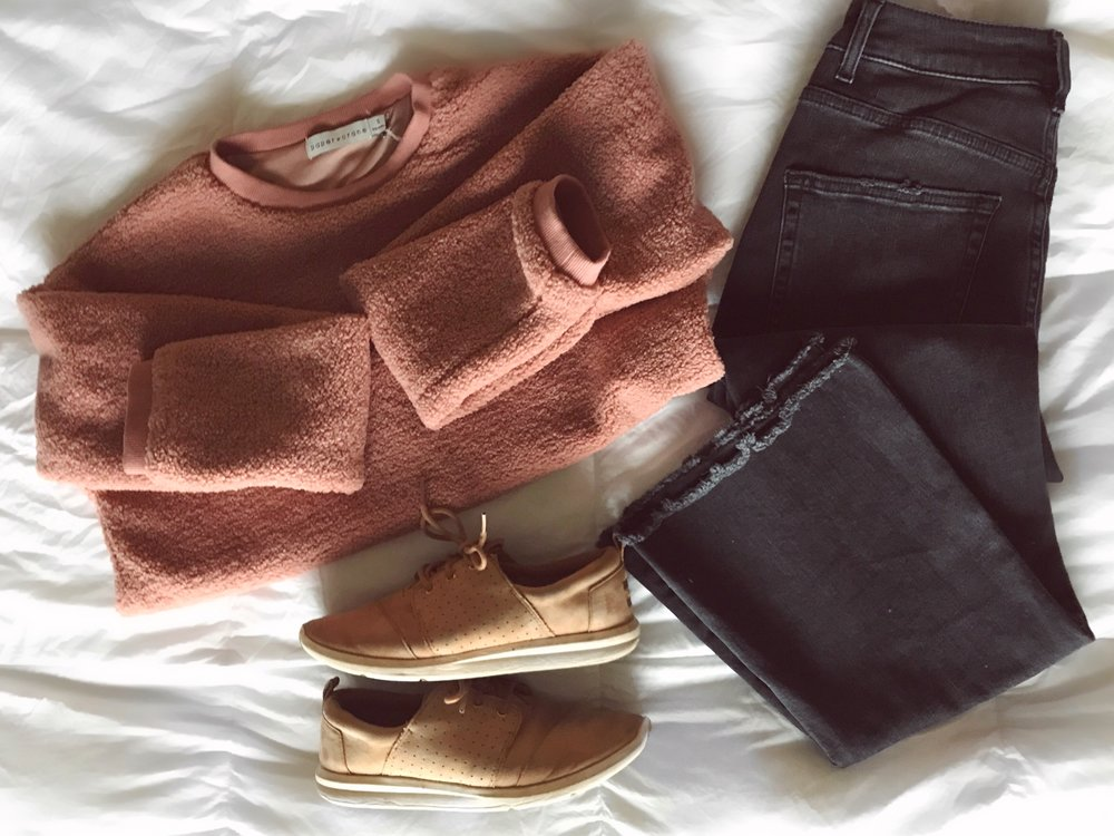 Sweater   V-Neck   Hoodie  Jeans   Shoes