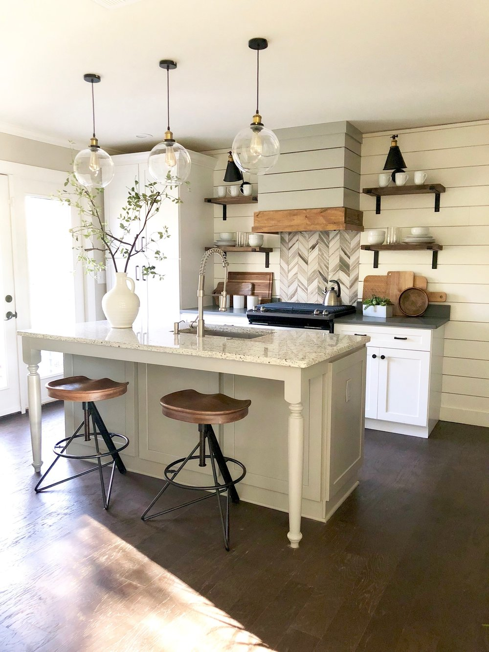 My favorite transformation on this project by far was the kitchen.  Kitchens and baths sell homes more than any other rooms, and in this home, I knew wanted the kitchen to be the shining star!