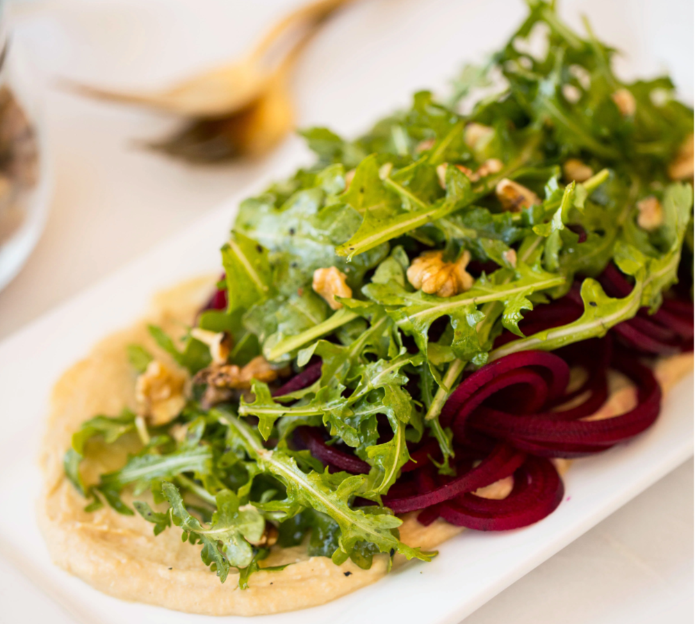 Spiralized Beets with Hummus and Arugula  (V)