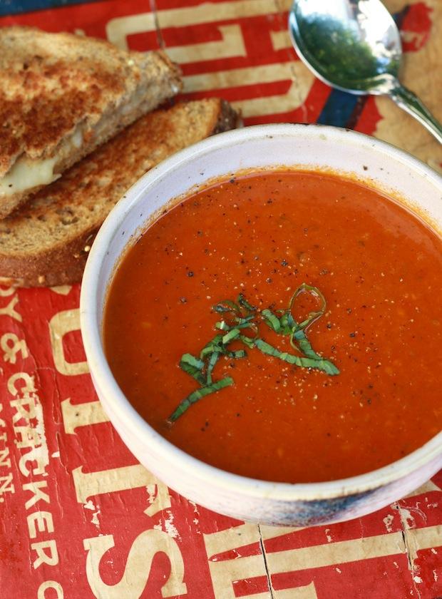 Tomato Basil Soup (V)