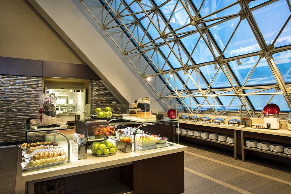 5-Public Area_Breakfast Buffet.jpg
