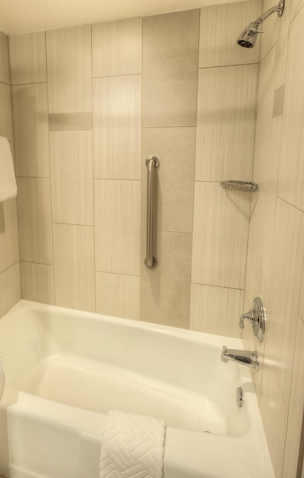 21-Guestroom_Bathroom.jpg