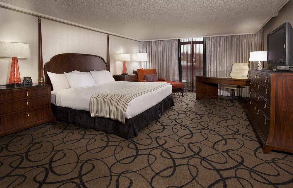 23-Guestroom_Presidential Suite Bedroom.JPG