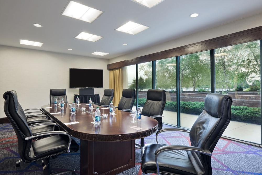 9-Public Areas_Executive Boardroom.jpg