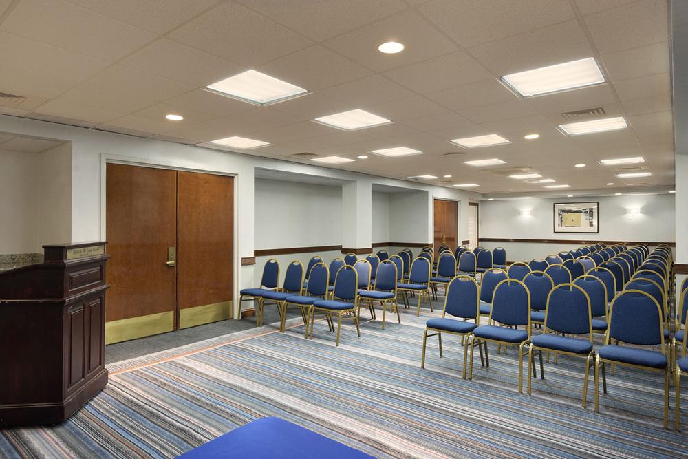 8-Public Areas_Meeting Room2.jpg