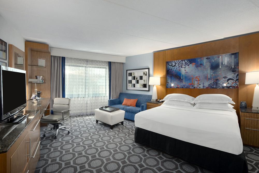 12-Guestroom-Junior Suite.jpg