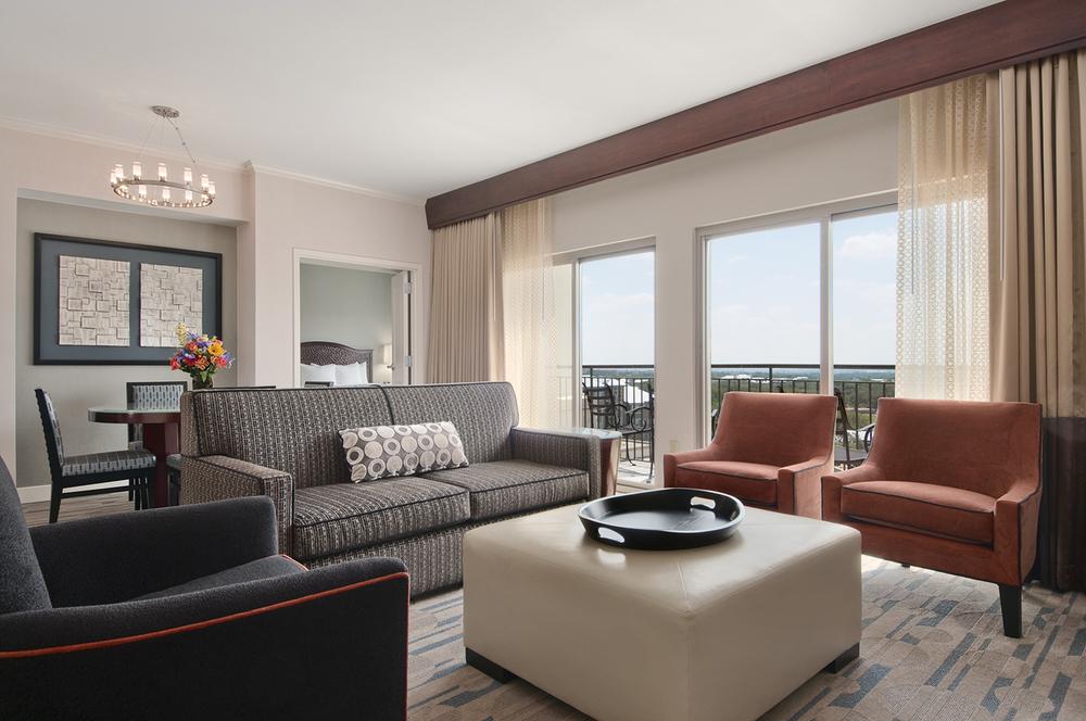 1-Guest Room_Suite-LivingArea.jpg