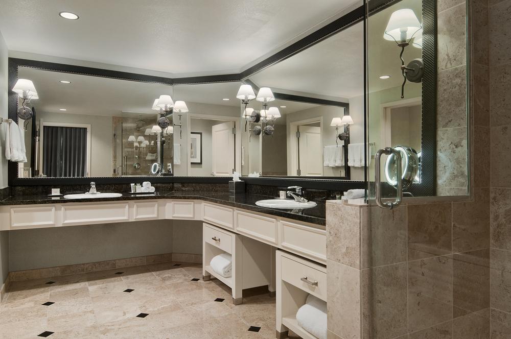 5-Guest Room_GuestSuite-Bath.jpg